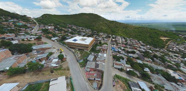 El primer colegio público certificado LEED de Latino América, queda en Colombia.